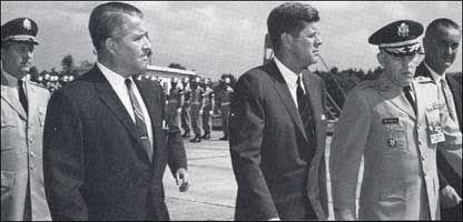Werner von Braun&JF Kennedy